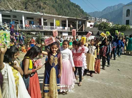 sahara-christian-academy-children-enjoying